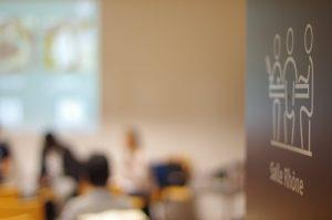 La table-ronde se tenait dans la salle Rhône de la Maison de l'Environnement à Lyon